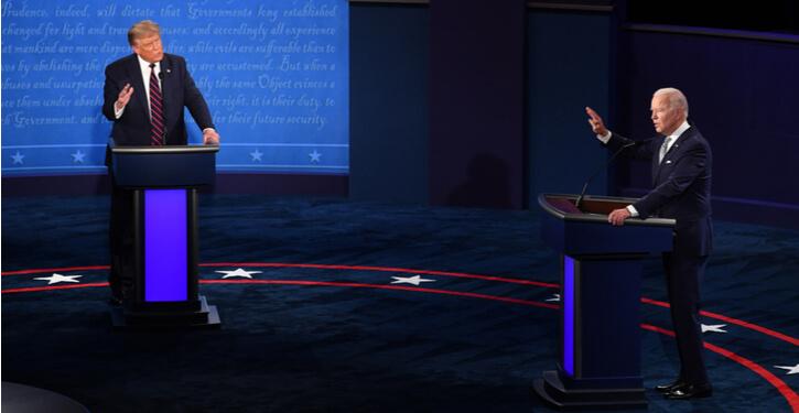 Foto van Joe Biden en Donald Trump tijdens het eerste presidentiële debat in 2020